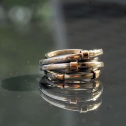 oryginalny,ekskluzywny,z dodatkiem złota, - Pierścionki - Biżuteria