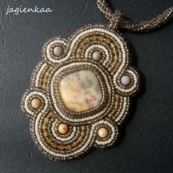 elegancki,unikalny,haft koralikowy - Wisiory - Biżuteria