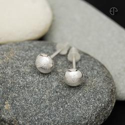 kolczyki,sztyfty,kuleczki,piaskowane,srebro - Kolczyki - Biżuteria