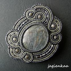 elegancki,unikalny,haft koralikowy - Broszki - Biżuteria