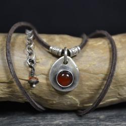 naszyjnik z karneolem,rzemień z kamieniami - Naszyjniki - Biżuteria