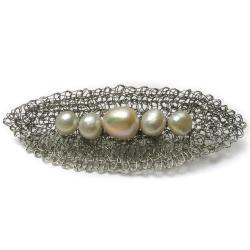 broszka,perły,szydełko,fasolki,wyplatana - Broszki - Biżuteria