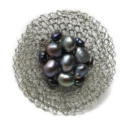 broszka,pleciona,perły szydełkowa,elegancka - Broszki - Biżuteria