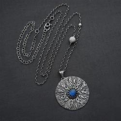 wisior,srebrny,długi,z labradorytem,medalion - Wisiory - Biżuteria