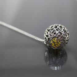 wyjątkowy wisiorek - Wisiory - Biżuteria