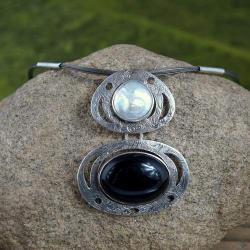 naszyjnik z perłą i obsydianem - Naszyjniki - Biżuteria