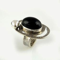 srebrny pierścionek z obsydianem i perłą - Pierścionki - Biżuteria