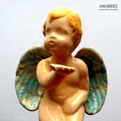 aniołek,figurka siedząca,romantyczny,całuśny - Ceramika i szkło - Wyposażenie wnętrz