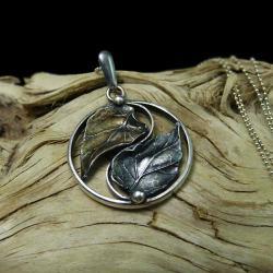 yin yang,srebrny liść,długi,oksydowany - Wisiory - Biżuteria