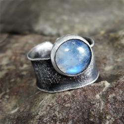 kamień księżycowy,moonstone,surowy,kuty - Pierścionki - Biżuteria