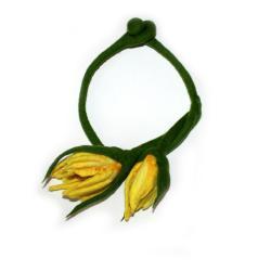 kwiatowy naszyjk,filcowany naszyjnik,wiosenny - Naszyjniki - Biżuteria
